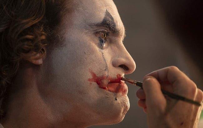 На фото кадр из фильма Джокер 2019.