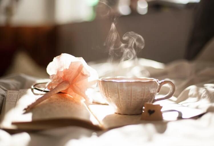 На фото изображена чашечка кофе.