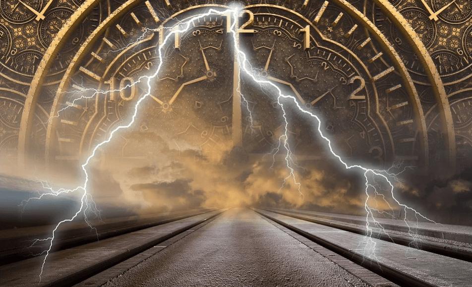 На фото изображены часы, молния и дорога.